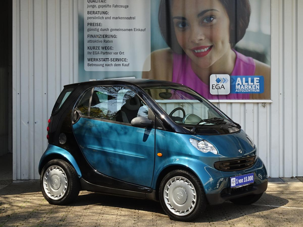 Smart ForTwo COUPE/ 13 TKM/KLIMA/SOFTTOUCH/PANORAMADACH/LEDER LKR
