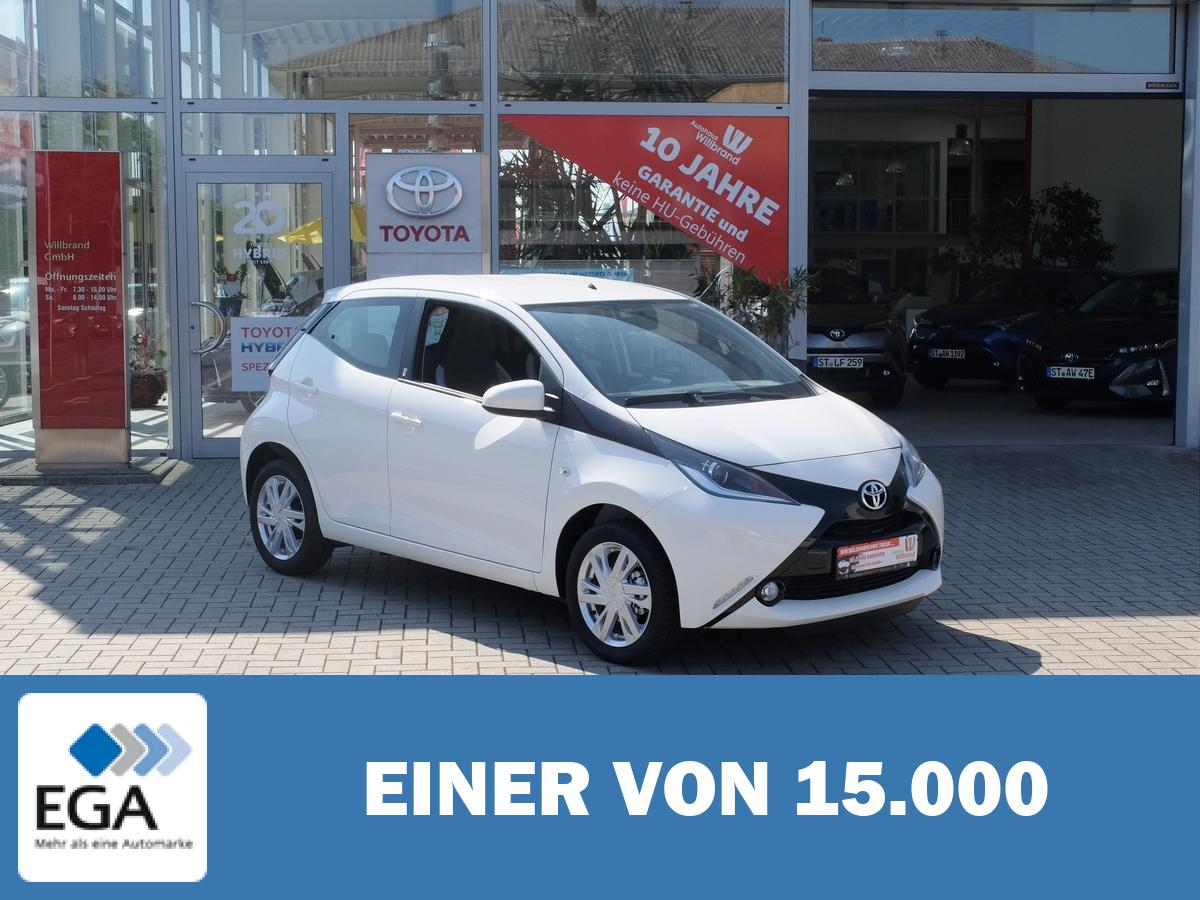 Toyota Aygo x-play Team D, 0 Euro Versicherung, 99 Euro Rate