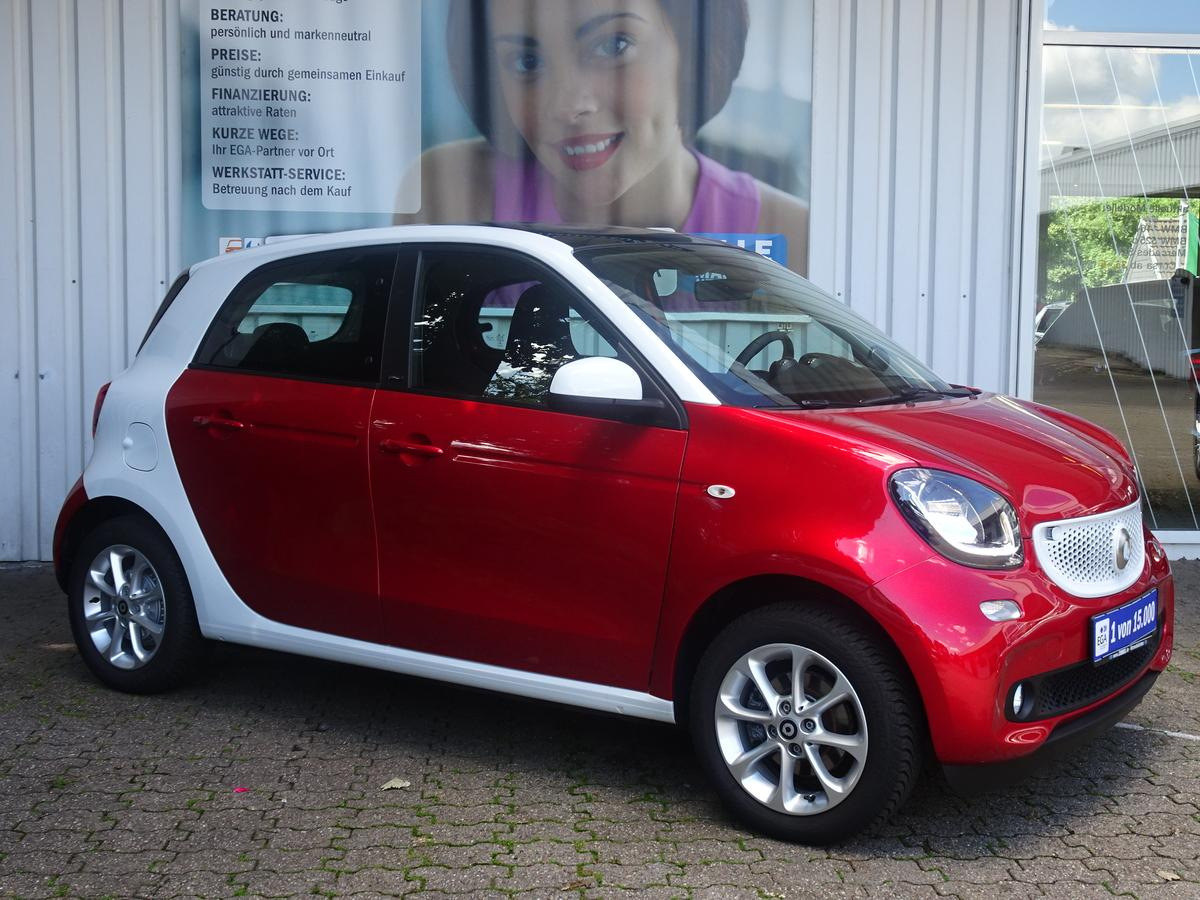 Smart ForFour passion 66KW/TWINAMIC/PANORAMA/SHZ/PTS/ALU/TEMPOMAT