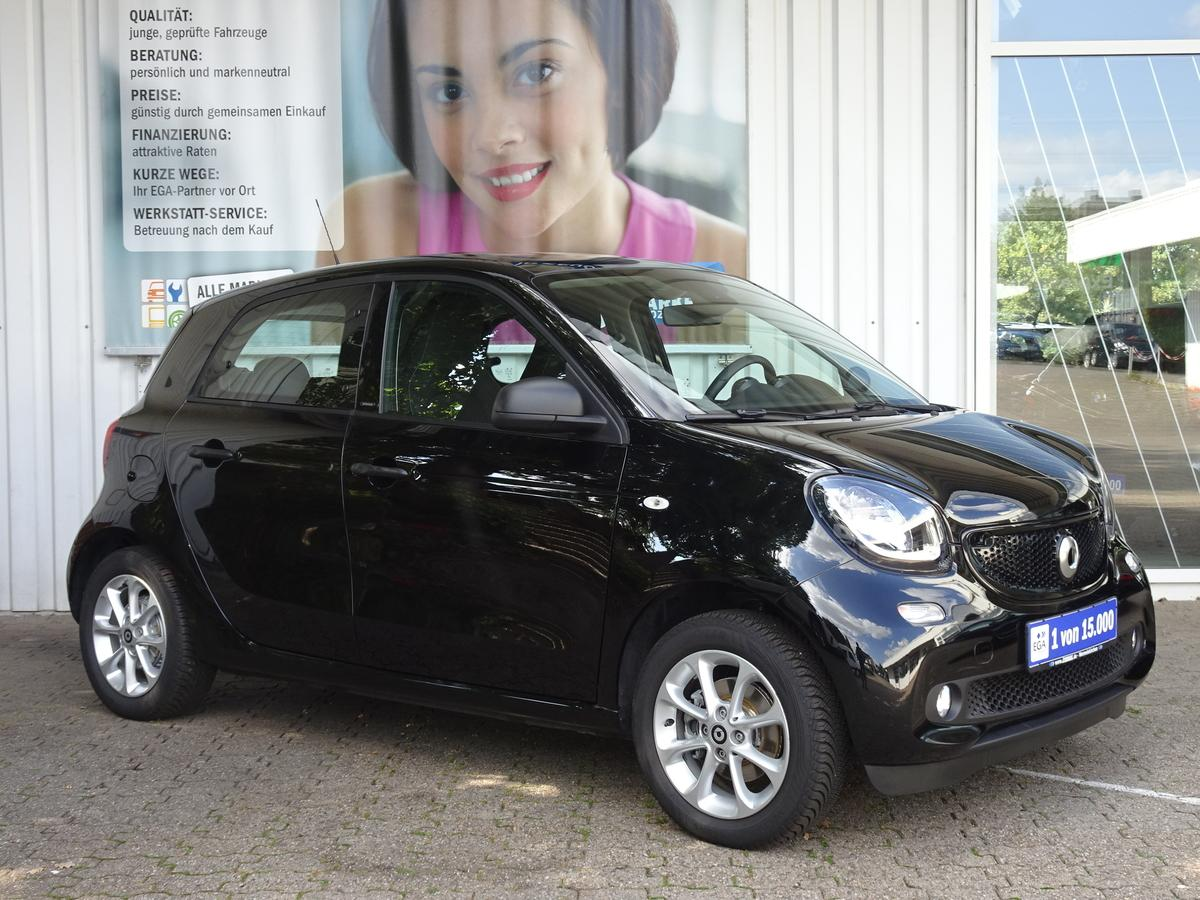 Smart ForFour 66kW TWINAMIC PANO Cool&Audio LED&Sensor PTS SHZ ALU