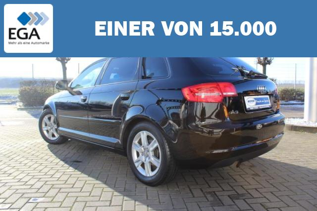 Audi A3 1.6 Sportback Attraction Xenon/PDC/16-Zoll