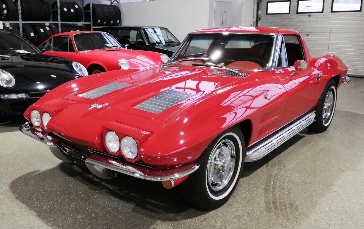 Corvette C2 Sting Ray Splitwindow