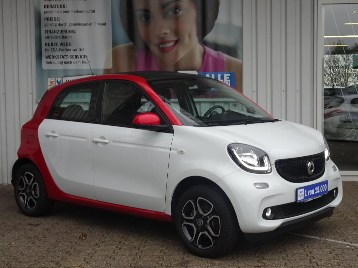 Smart ForFour FALTDACH*COOL*MEDIA*NAVI*LED*SENSOR*PDC*SHZ*BTH*ALU*