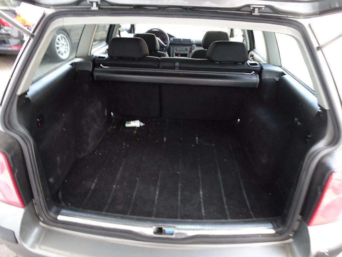 volkswagen passat 2 0 20v variant klimaautom winter paket. Black Bedroom Furniture Sets. Home Design Ideas