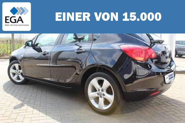 Opel Astra J 1.6 Design Edition SHZ/17-Zoll/PDC/Tempomat