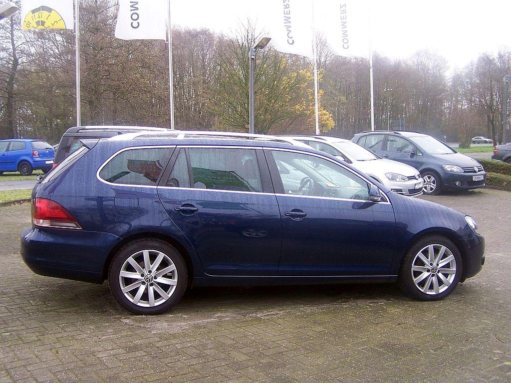 VW Golf Variant 2.0 TDI DPF DSG Highline*NAVI*AHK*