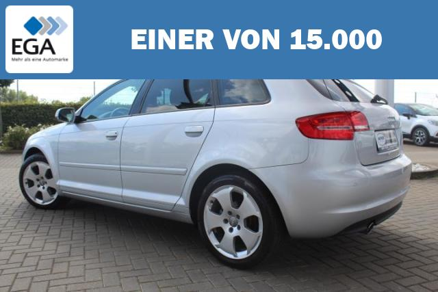 Audi A3 1.2 TFSI Sportback S tronic Attraction Bi-Xenon/S