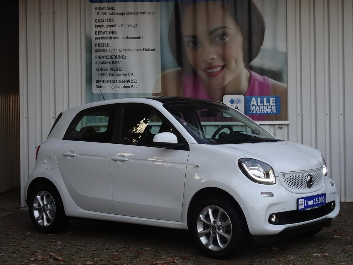 Smart ForFour  9 TKM!!! PANORAMADACH*SHZ*KOMF PKT*ALLWETTER* TEMPO