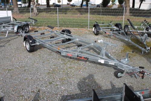 Pongratz PBA 1300G Boots-Anhänger gebremst, 600mm Bootsauflagen