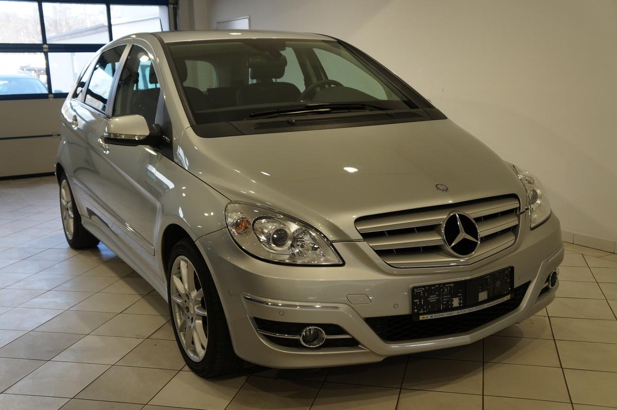 Mercedes-Benz B 180 Sports Tourer NAVI SHZ PDC