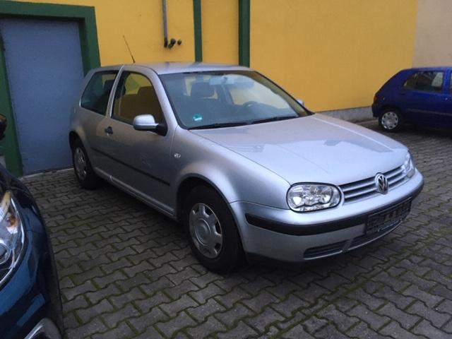 Volkswagen Golf Champ * 100 PS * 36.000 km *