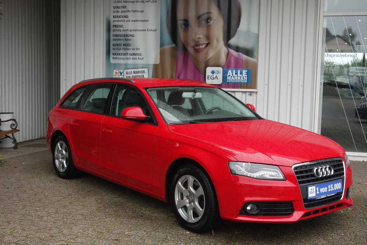 Audi A4 1,8 AVANT 1 HD ATTRACTION BI-XENON PDC AHK TEMPOMAT
