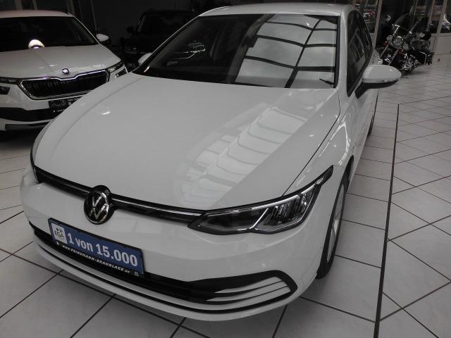 Volkswagen Golf VIII 1.5 TSI Life,shz, ACC, Voll LED