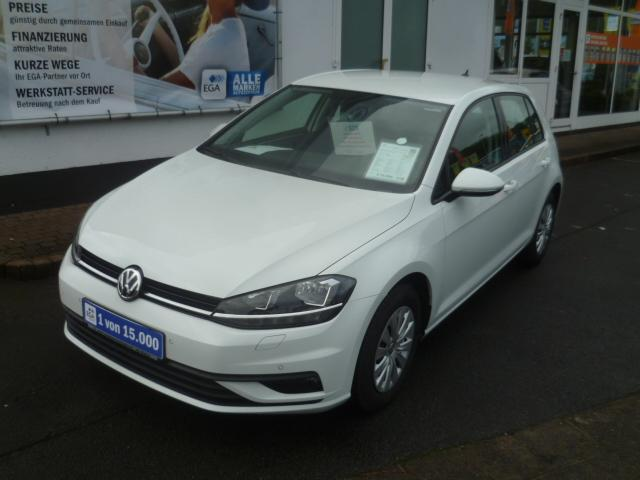 Volkswagen Golf VII Lim. TSI Trendline*Apple Car*Climatronic*PDC*Sitzhe