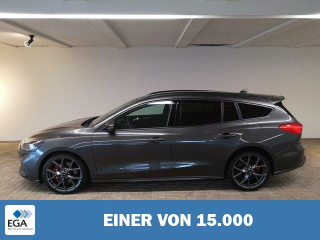 FORD FOCUS ST NAVI / AHK / LED / TECHNOLOGIE-PAKET