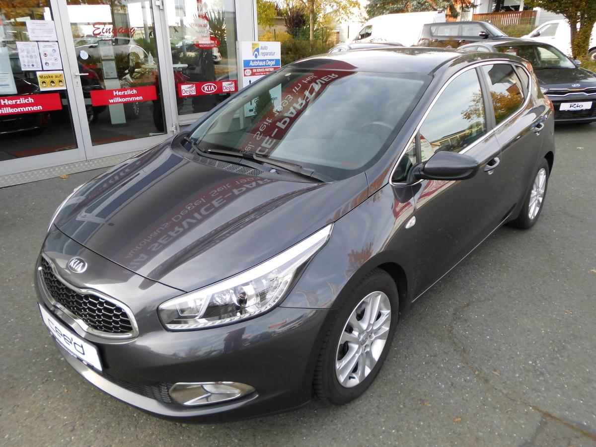 Kia cee'd 1.6 CRDi Dream Team Edition