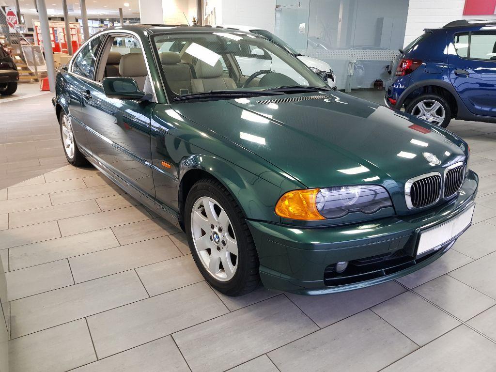BMW 323  WENIG KM  !!!!