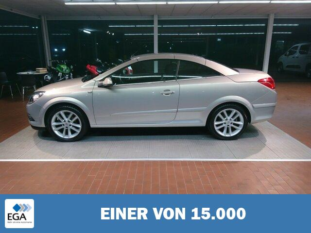 OPEL Astra 1.6 Twin Top Cosmo