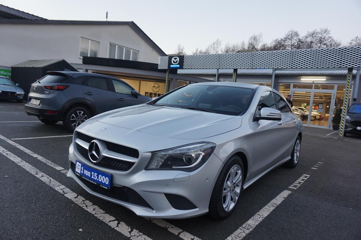 Mercedes-Benz CLA 200 Automatik, BI-Xenon, Navi, Teilleder, PDC, 18 Zoll