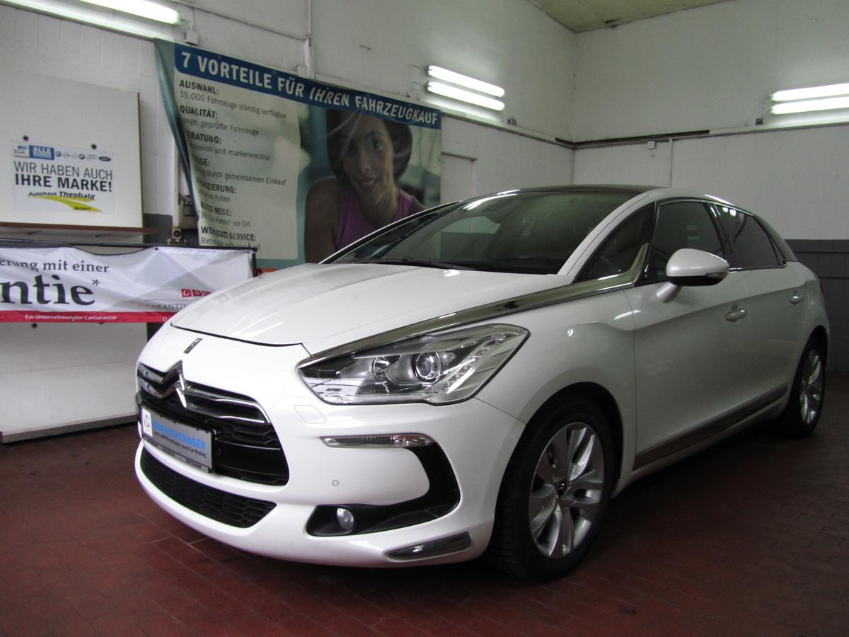 Citroën DS5 SportChic 2.0 HDI +Head UP+Xenon+Navi