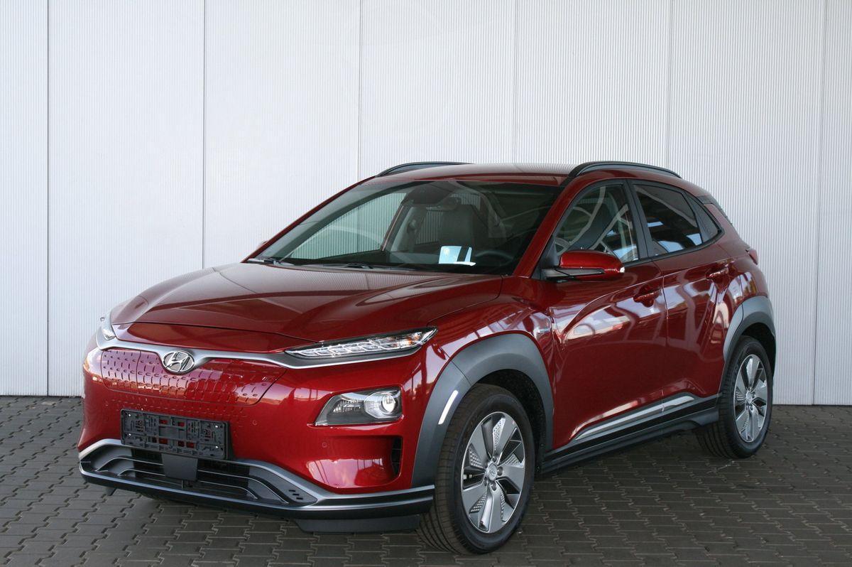 Hyundai Kona EV 64 kWh 204 PS Premium Schiebedach Sitzbelüftung