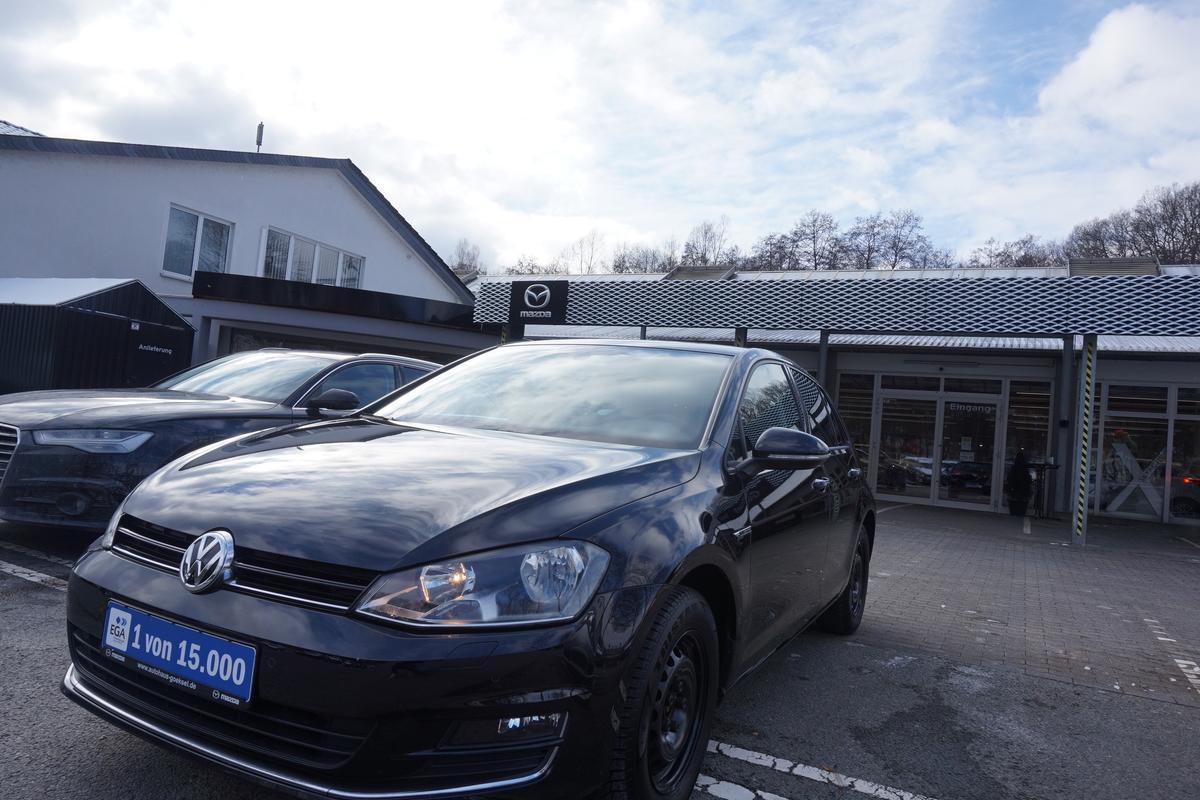 Volkswagen Golf 7 Lounge, Klimaautomatik, SHZ, AHK, PDC, 8-Fach bereift