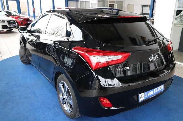 Hyundai i30 Passion blue PDC Klima SHZG LHZG Bluetooth