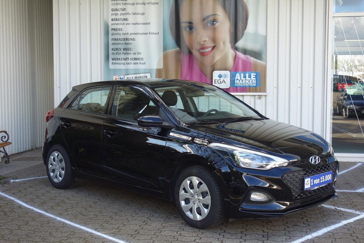 Hyundai i20 1.2 Select KLIMA*MFL*EFH*FB-ZV*RADIO*ESP*BC*SERVO*1.HAND
