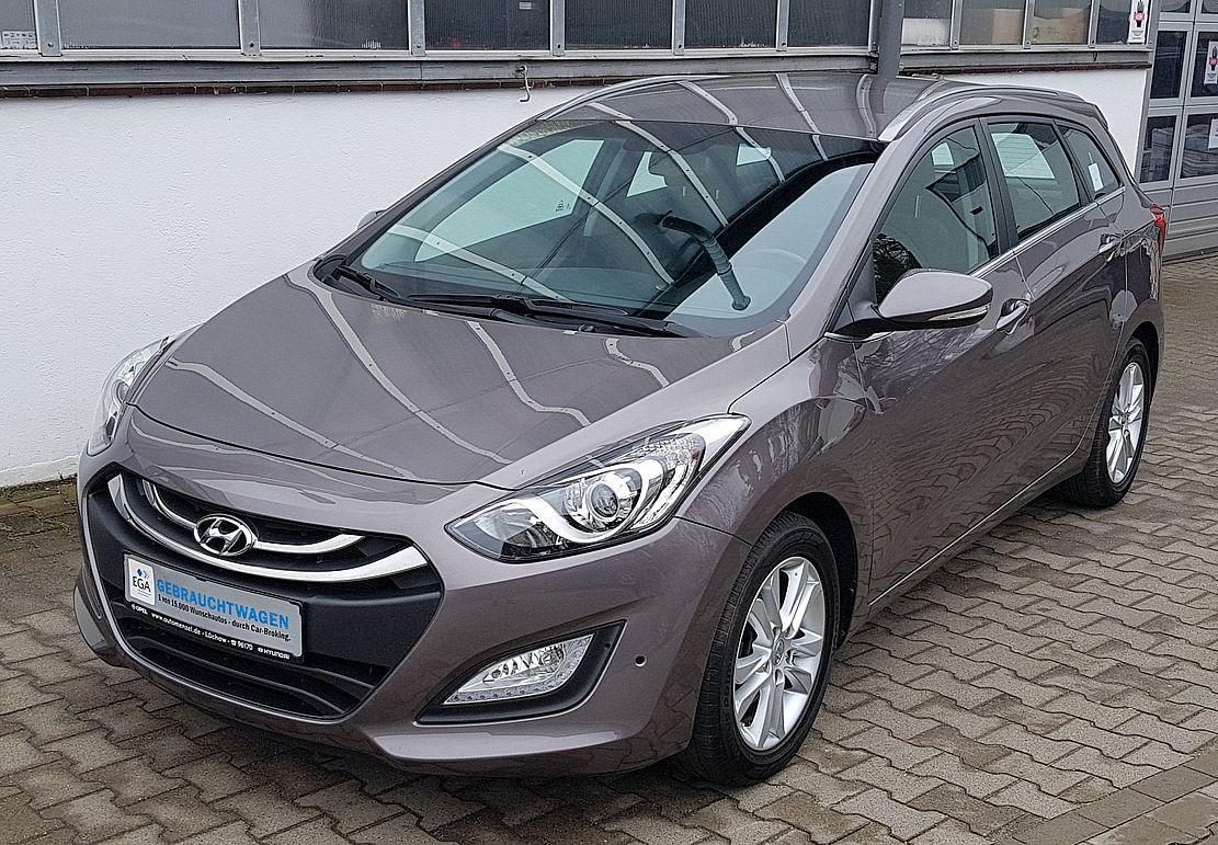 Hyundai i30 Kombi 1.6 i Klima*Sitzhzg*PDC*Alu*AHK