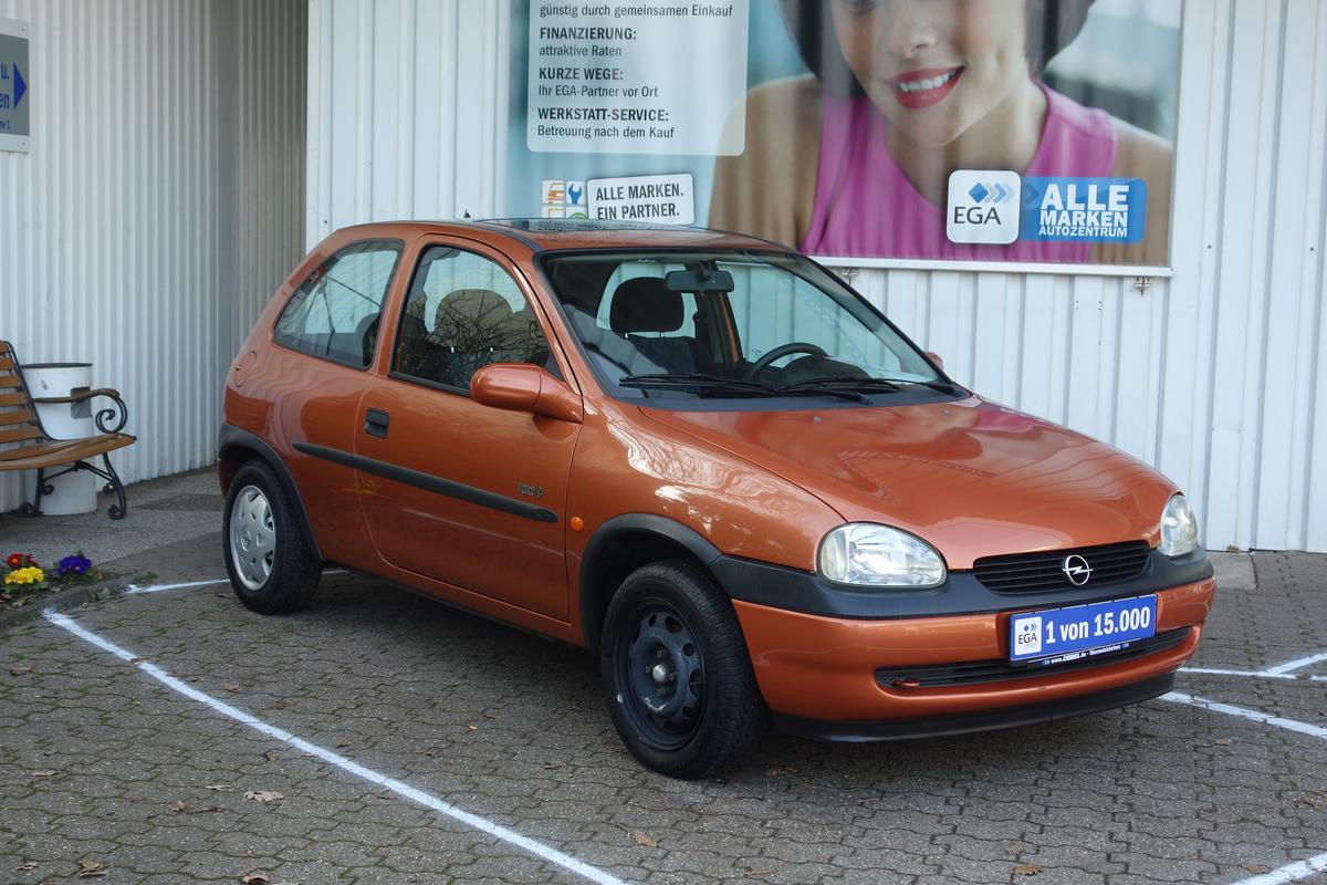 Opel Corsa B  69 TKM !!!!! Schiebedach*SERVOLENKUNG*El. Fh