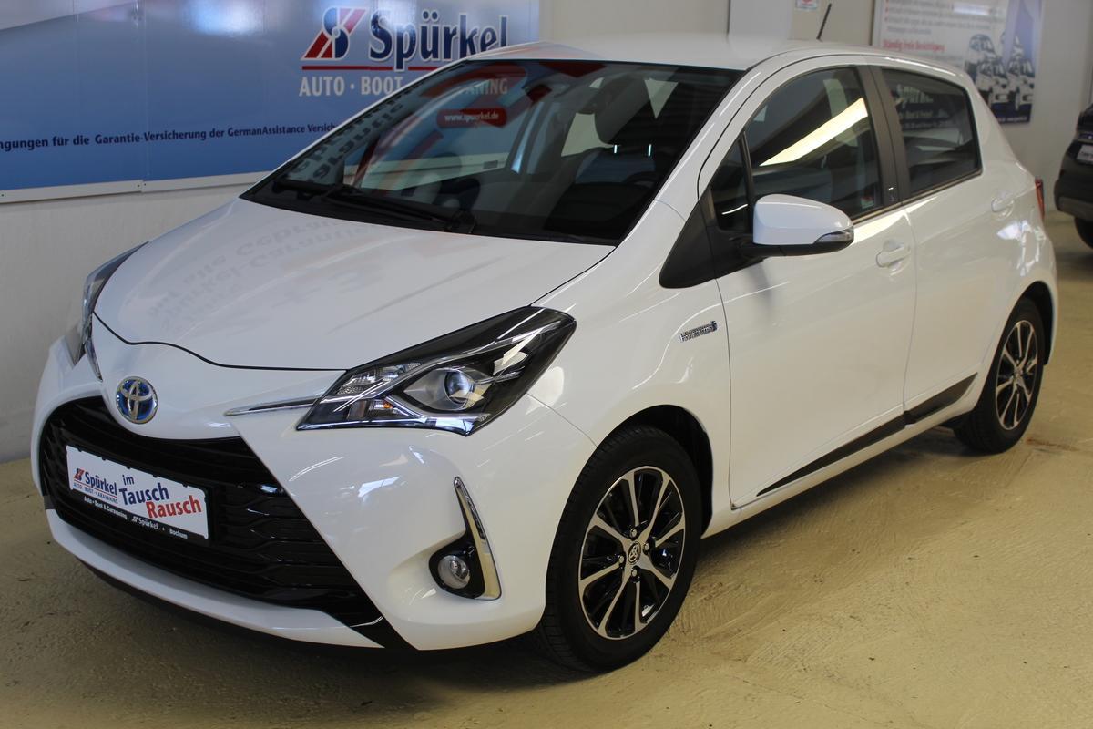 Toyota Yaris 1.5 Hybrid, Team D, Navigation,Allwetterreifen