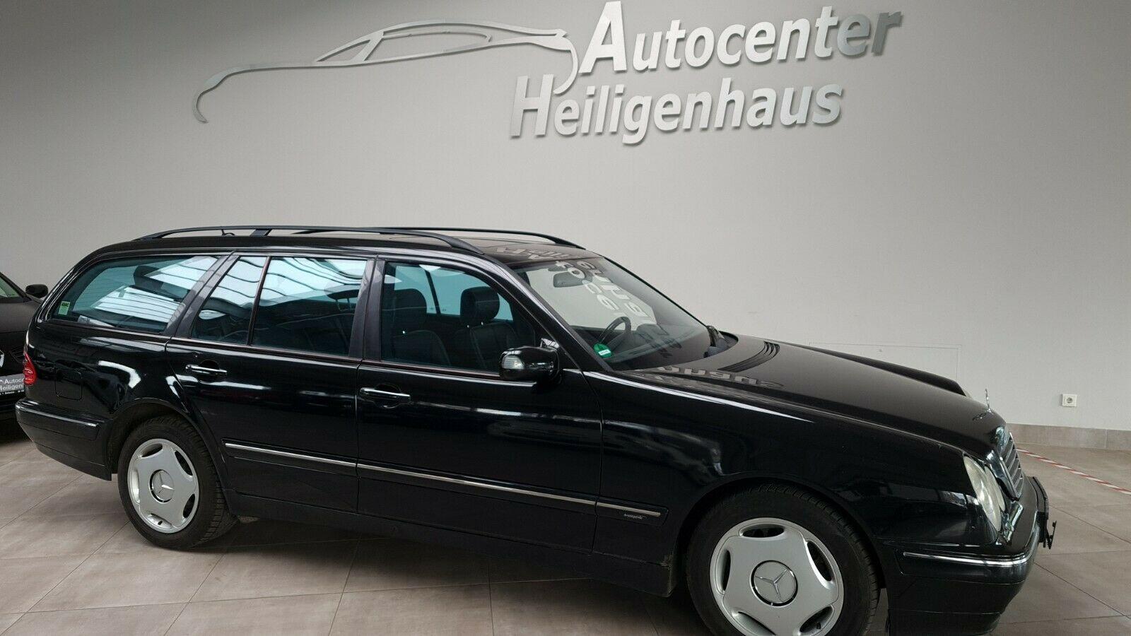 MERCEDES-BENZ E 320 T Avantgarde Automatik Schiebedach Navi