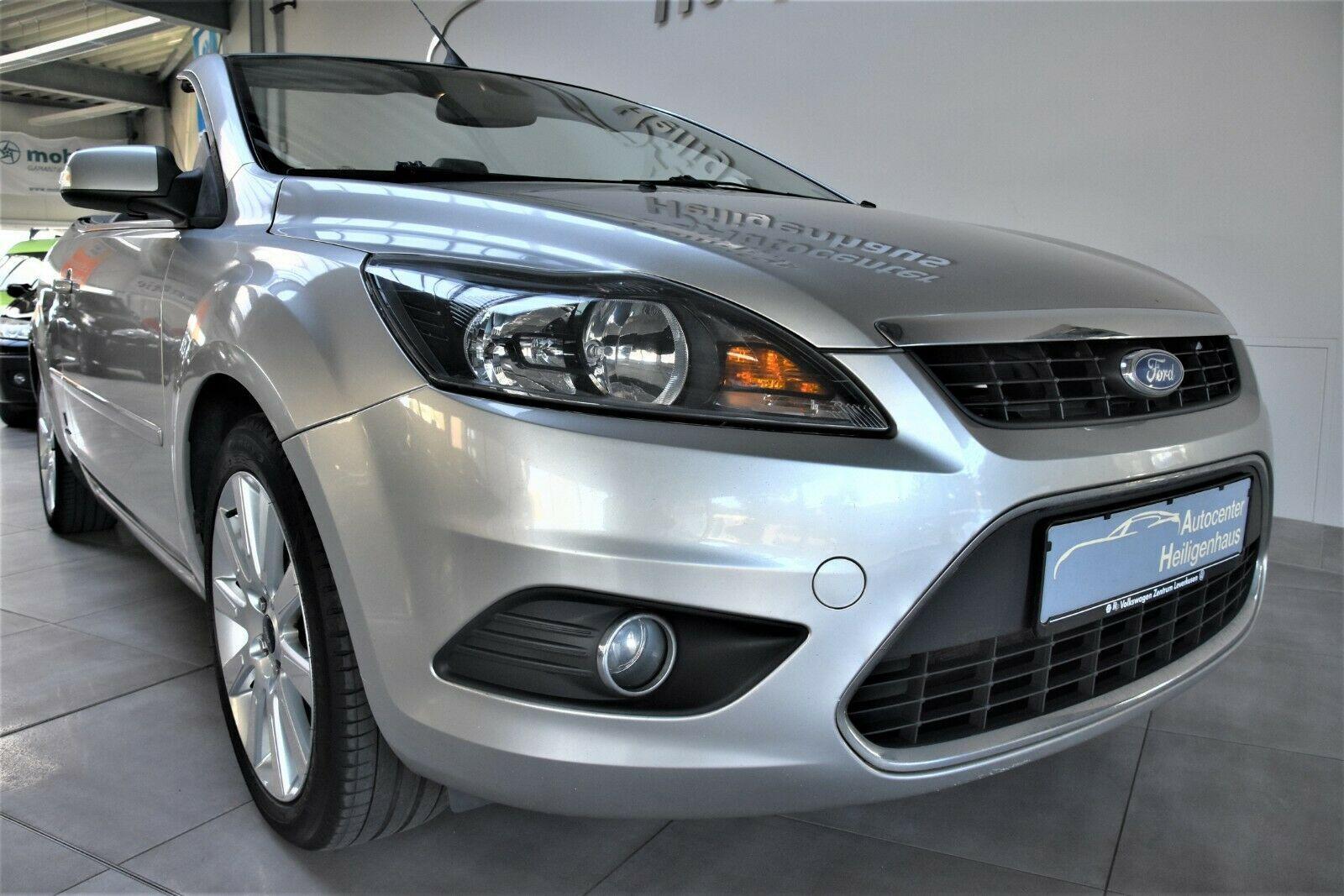 FORD Focus 2.0 Cabrio Titanium Navi Leder Sitzhez PDC