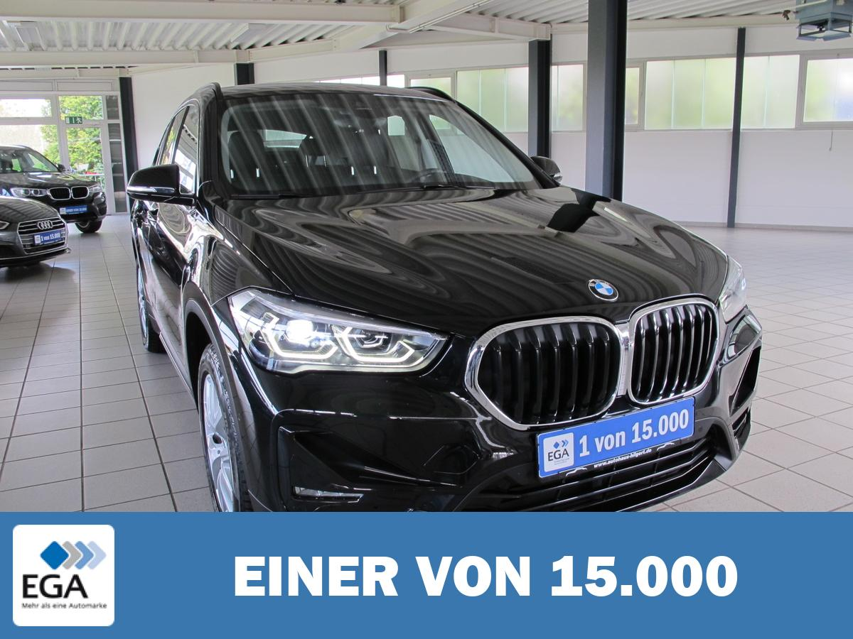 BMW X1 xDrive20i Sport Line *Leder schwarz* AHK*