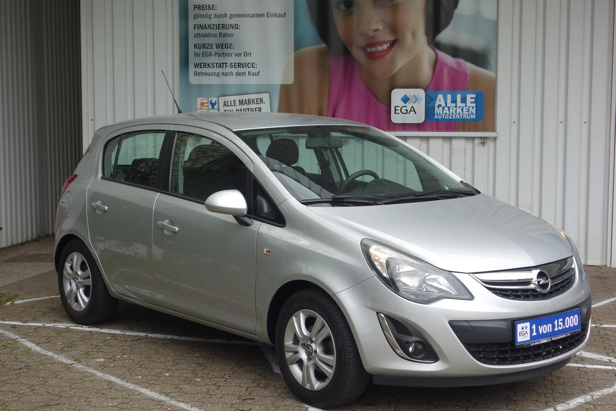 Opel Corsa D 1,2 SELECTIVE KLIMA ALU MFL RCD