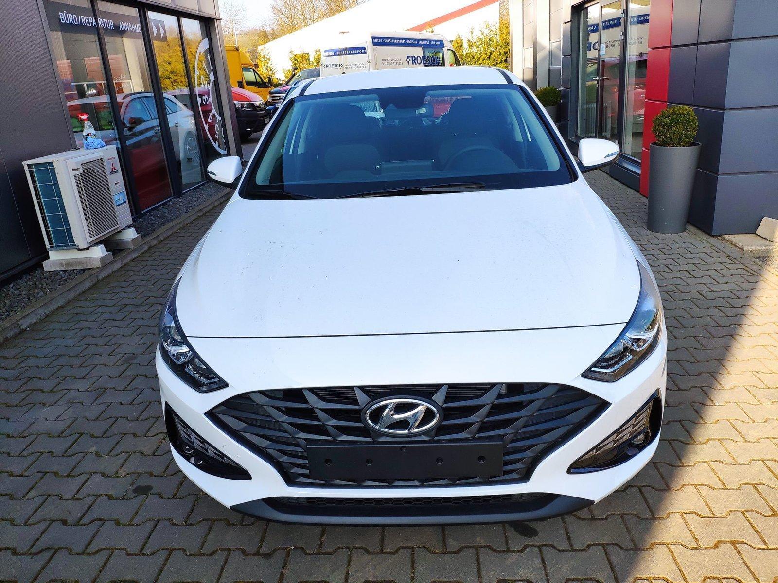 Hyundai i30 n. Modell! 120 PS*App-Connect*Kamera*Klima