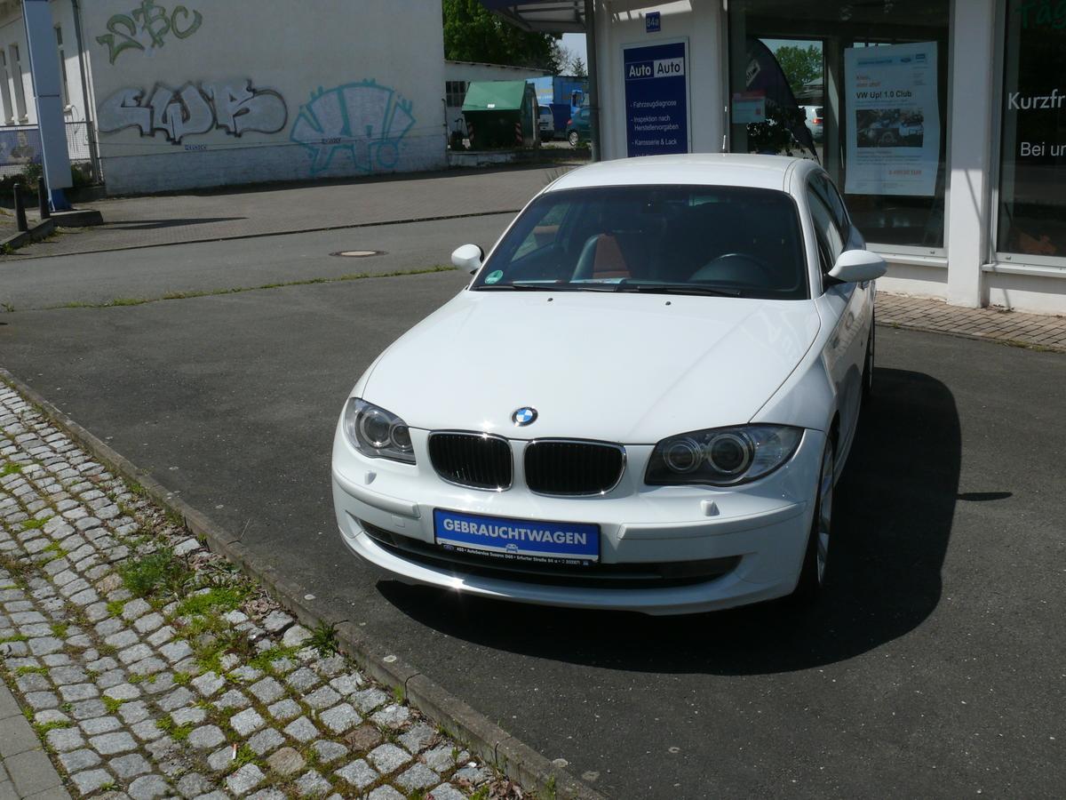 BMW 118i118i, scheckheft-gepflegt, Klimaaut.,LMF