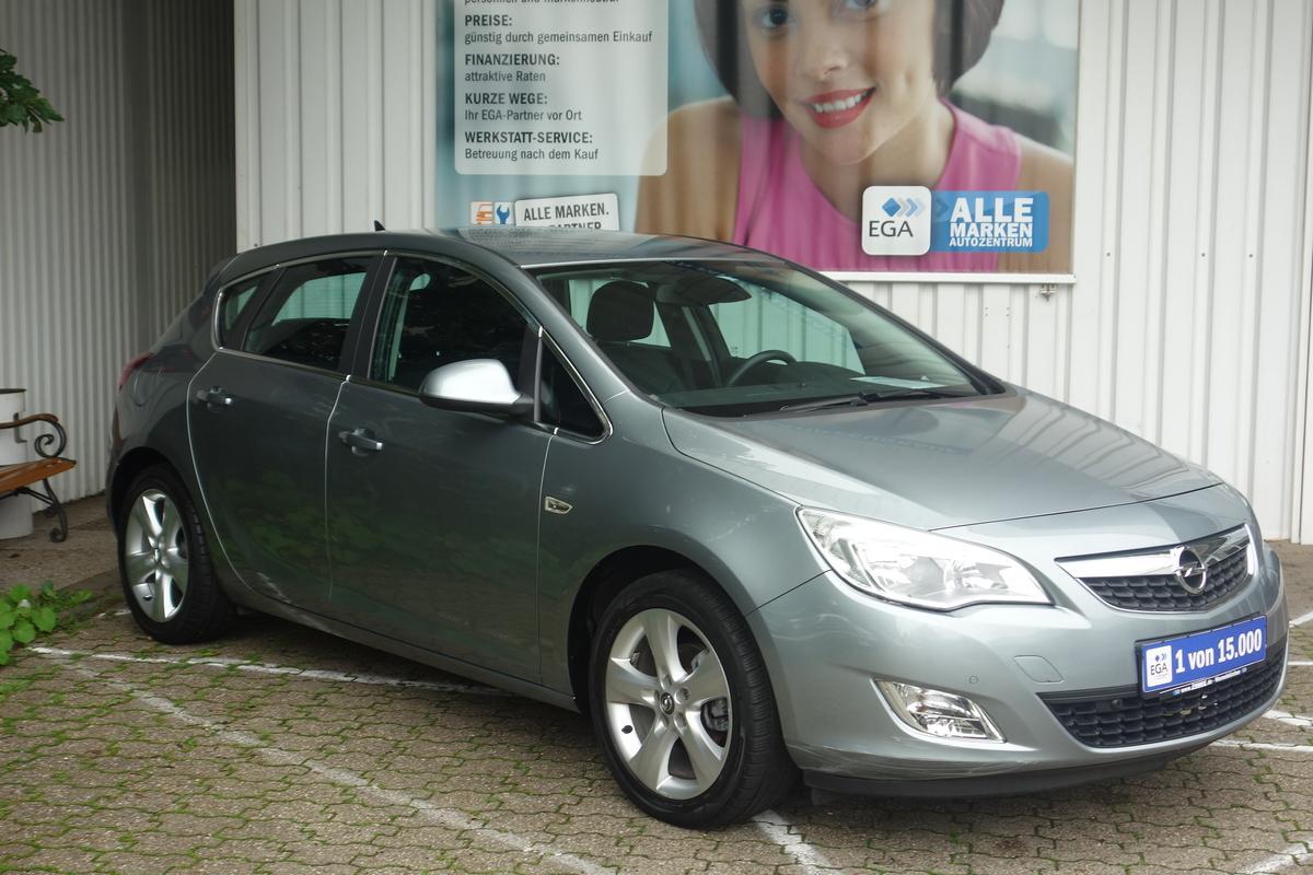 Opel Astra J 1,4 KOMFORT PAKET NAVI PDC V H TEMPO ALU SHZ KLIMA