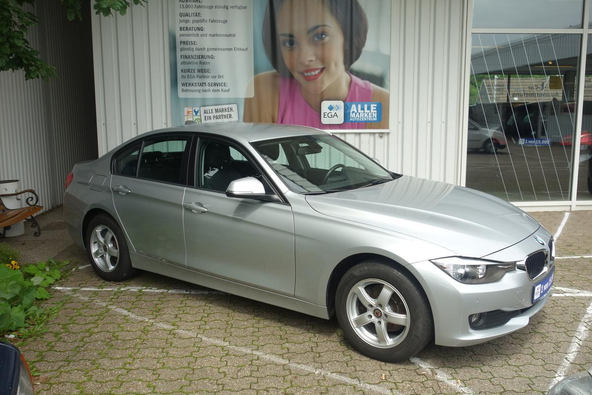 BMW 316i COMF PKT*PDC Hi + Vo*SITZHZG*BLUETOOTH*TEMPOMAT