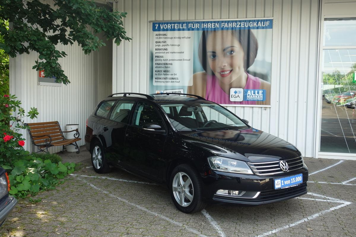 Volkswagen Passat 1,4 TSI VARIANT CLIMATRONIC NAVI ALU SHZ TEMPO W-PAK
