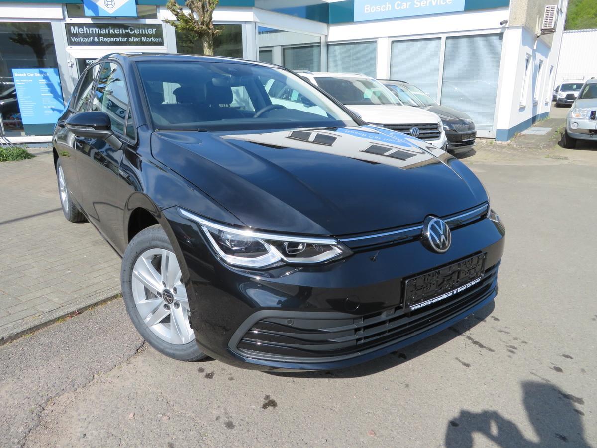 Volkswagen Golf VIII 1.5 TSI Life LED PDC