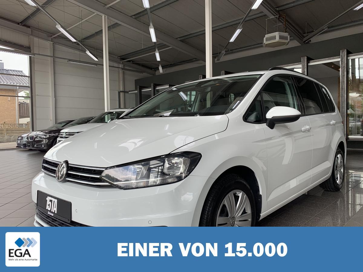 Volkswagen Touran 1.6 TDI DSG AHK Navi SHZ Tempo.