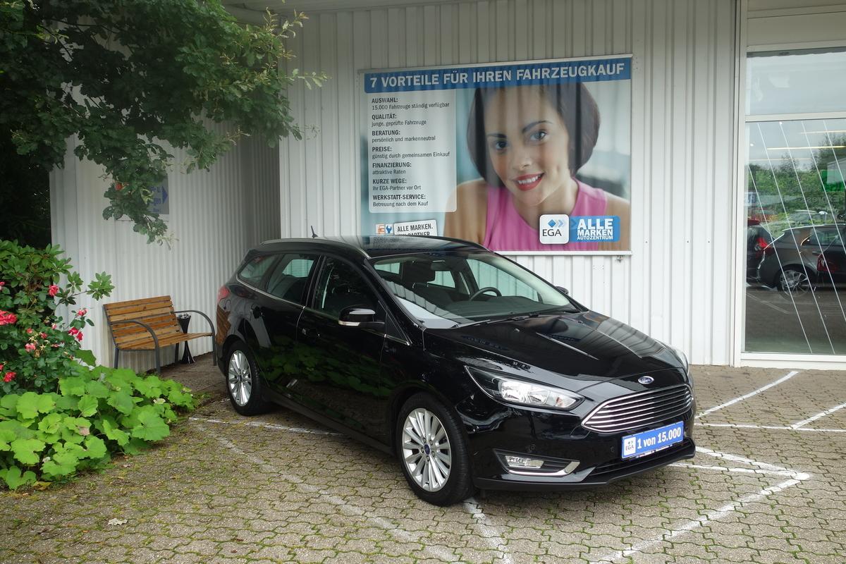 Ford Focus 1,5 ECOBOOST AUTOM. BUSINESS NAVI PDC KLIMA TEMP ALU