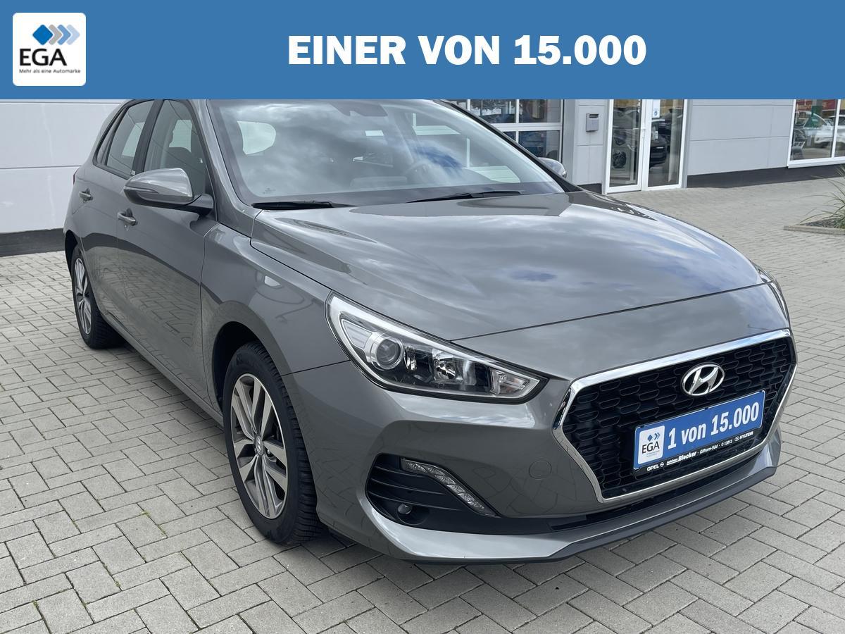 Hyundai i30 1.4*Trend*Allwetterreifen*Carplay*Sitzhzg*R.Kamera*