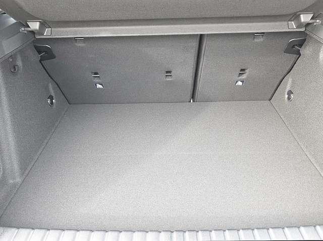 BMW 118i 1.5 136PS Automatik Sport Line 5-türig Voll-LED