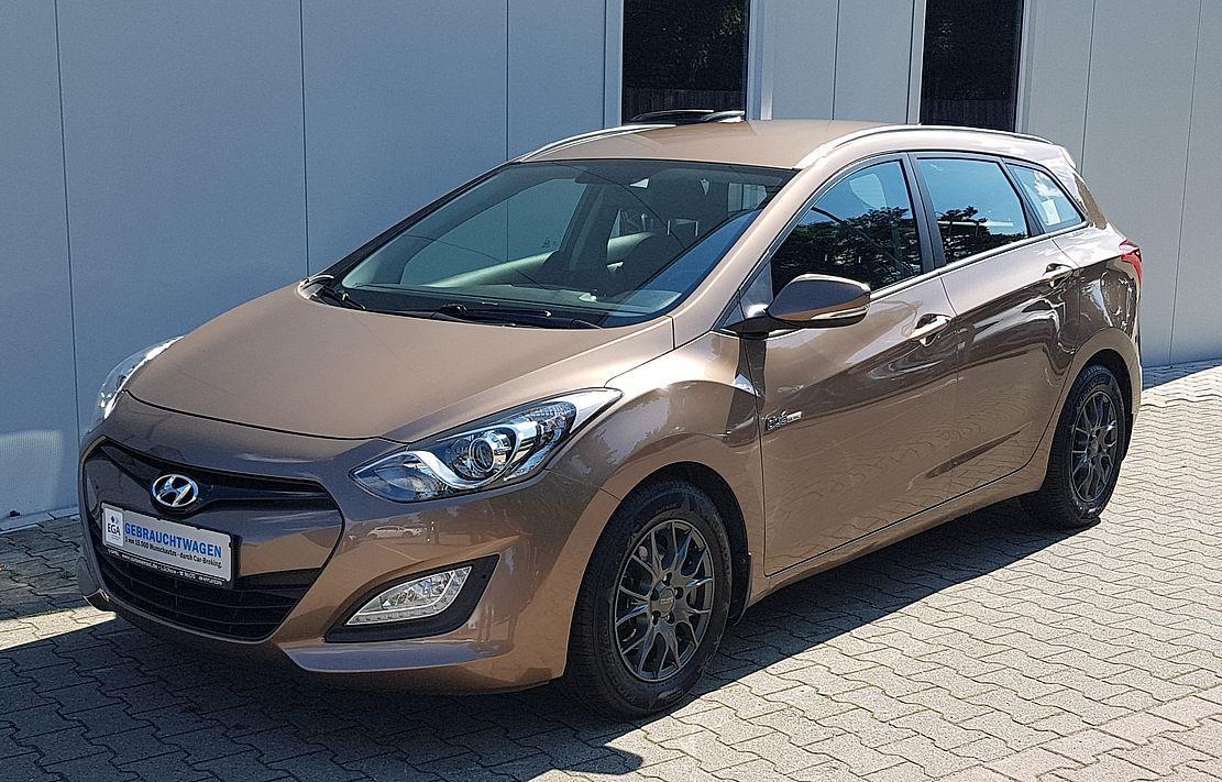 Hyundai i30 Kombi 1.6 i Klima*AHK*Sitzhzg*PDC