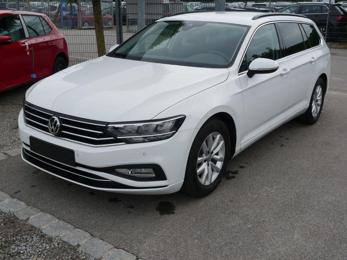 Volkswagen Passat Variant 1.5 TSI ACT DSG BUSINESS * ACC * AHK * LED * NAVI * PDC * KLIMAAU
