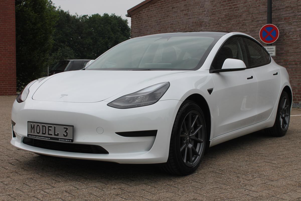 Tesla Model 3 SR + AP  Q1/2021 18Zoll AHK Facelift 2021