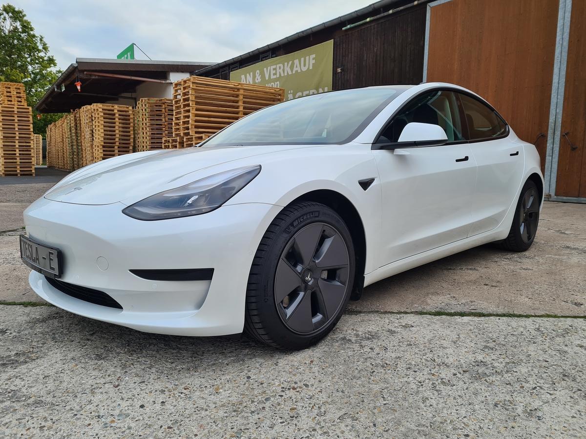 Tesla Model 3 SR + AP  Facelift Q1 /2021 18Zoll