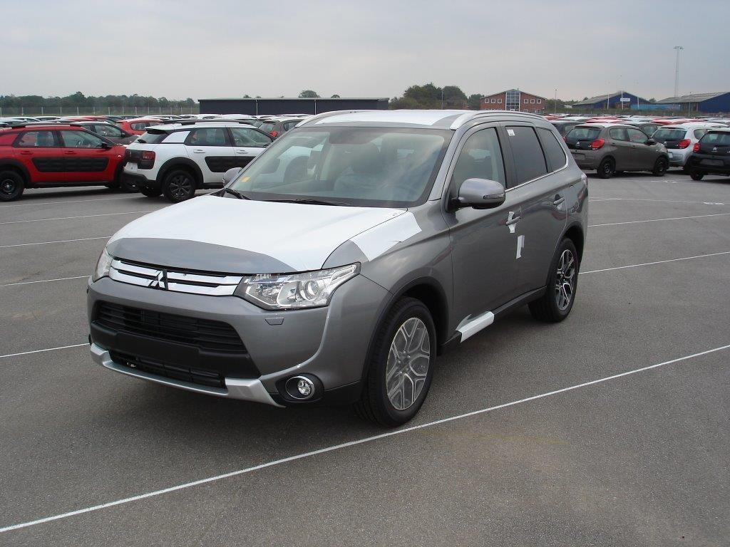 Mitsubishi Outlander 4WD 2.2 DI-D 4WD AT LED-Sch. Navi